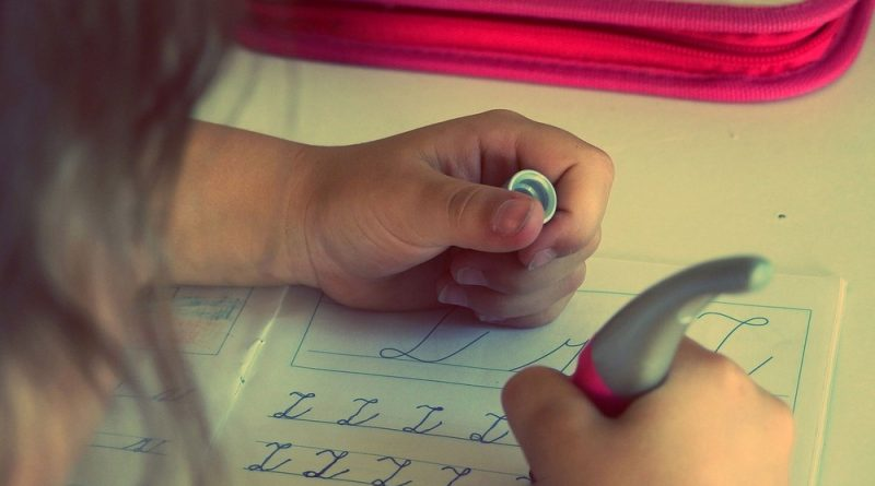 Moet je je kind nog wel huiswerk laten maken